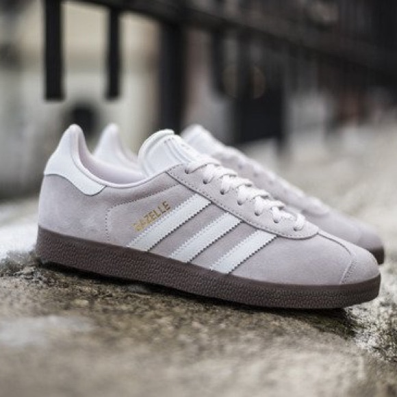 the latest 8e9a7 e2c6a NWT Adidas Originals Gazelle Sneakers in Orchid